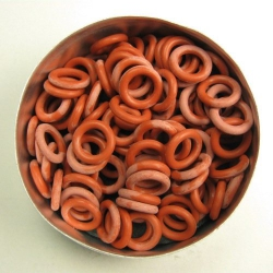 Brick red rubber, 2.0x6.0 mm (10x6x2 mm) - 100 rings