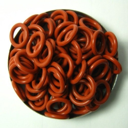 Brick red rubber, 2.0x8.0 mm (12x8x2 mm) - 100 rings